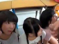 Sevimli genç grup amatör Asya seks video tarafından becerdin