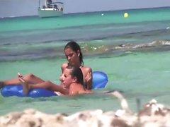 Genç Plajı Hakkında Having Fun