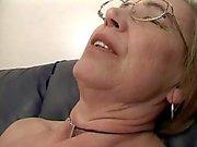 Granny gillar spermier