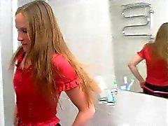 Mignon russes Strapon l'étudiante de 5