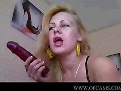 De Rusia hermosa joven muestra de su vagina