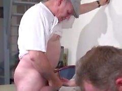 FRANSKA amatör knullad av papy och en annan kille