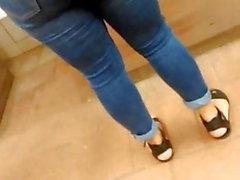 Dieser Esel so gut aussehen in diesen Jeans