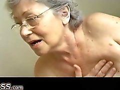 Бабушка мастурбация волосатые используйте киске пенис