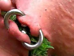 Tortura auto com urtiga