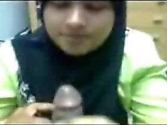 Hijabi emme ve içme cum