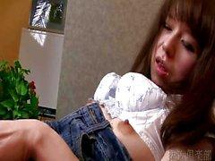 De fille asiatique a séduit en quelques minutes