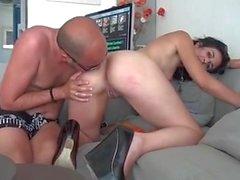 Sie entdeckt Pornos