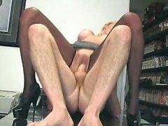 Blonde Кэнди Appels получает накачкой большой член и получает его в задницу