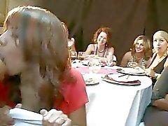 As meninas adoram o sabor de chantilly