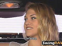 Swingers compartiendo esposas follando en orgías calientes