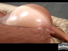 Slutty bronzé milf ramassé à partir de l'hote
