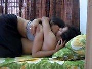 Les couples romantiques ont des relations sexuelles à l'hôtel