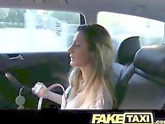 faketaxi горячего румынского девочка места сзади минете