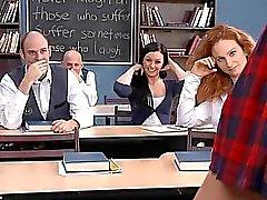 Della ragazza del banco adolescente relazione del libro con i professori cazzo di dentro la sua