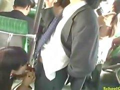 Koululainen pintojen hankautuminen Liikemies Kukko Antamalla Suihinotto Kamelinvarvas Fingered Junamatkalla