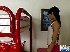 Schönes Babysitter Adriana Nevaeh sich nackt vor der