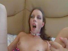 Sexy brunette babe Missy erhält die Vernichtung Ihren nackten Knackarsch