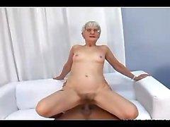 Slim Büyükanne Butt yılında Cock alınması