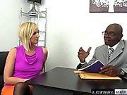 Tonårs Kate England Ridning henne första BBCEN och cums