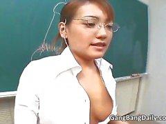 Kuuma Aasian opettaja imee kukko ja saa Osa 6