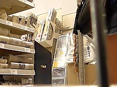 Wife upskirted en magasin diy