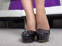 pantyhose foot blondie milf teasing