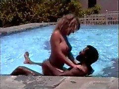 Пул Секс в Мозамбике