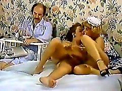 Karen Yaz bir porno klasik bir klipte Nina Hartley