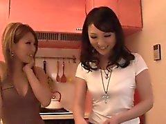Dazzling kolmen kimpassa vitussa makeita Akari Kimishima
