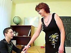 Milf Teacher osoittavat nuori saksalainen pojan Näin raskautta