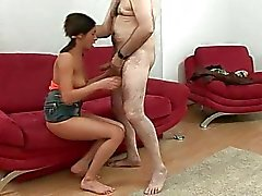 Stilig man knullar sin flickvän