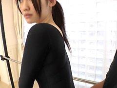 Oerfarna ung asiatisk modell får sin fitta uppstoppad i