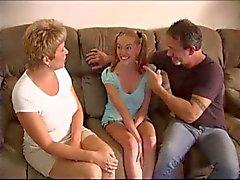 Koppel neukt de babysitter lustig door TROC