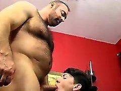 Emo maschi di porno Free Mentre ringhiera cazzo di , colpi di Benjamin