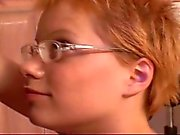 Kurzhaar Rotes Haar Teen Kinderbetreuer Emily abgefickt