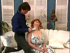Legendarische Mature Grote Tit Queen Kitten Natividad krijgt anale