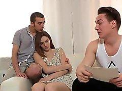 Broke compañero permite loco compañero para empujar a su ex-novia para