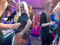 Lesbians haben Spaß in Vereins