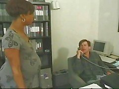 Hamile abanozofiste beyaz horoz alır