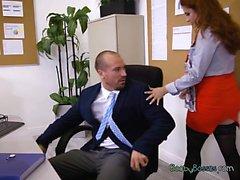 Sekreteraren i Lennox Luxe får fångas Masturbating