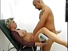 Duitse Preggo neuken haar Doc