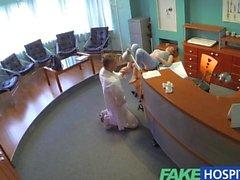 FakeHospital Petite kızılları Seks becerilerin iki defa doktoru boşalmak hale getirir