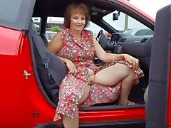 Naiset ja autoja