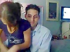 College slet neuken voor de webcam .