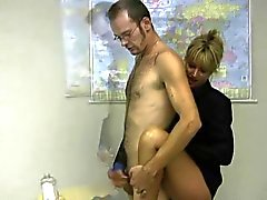 blonds mini jupe masturbe