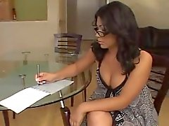 Tombul Latina Chick Sıcak mı