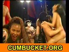 Cornee Chicks annegato a Cum - cumbucket