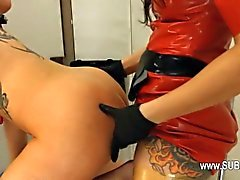 Devot BDSM Sex mit anale Hure