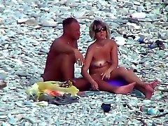 foder de praia maduro em as pedras !!!!